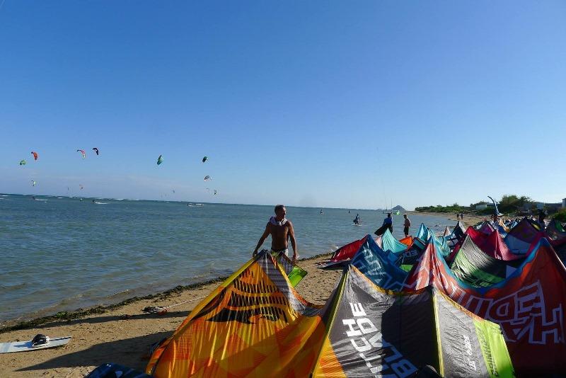 Кайтсерфинг и серфинг в Нячанге